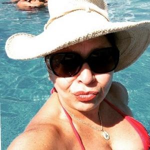 Roberta Miranda revelo medo de avião e diz que faz escândalo em turbulência