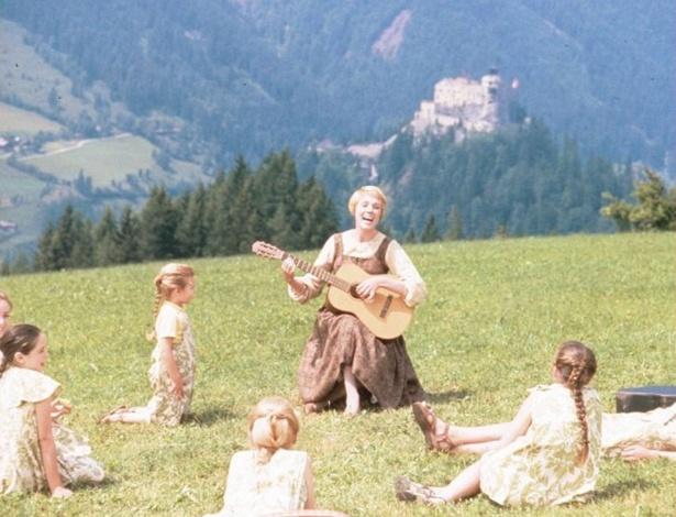 """""""A Noviça Rebelde"""" completa 50 anos confirmando o poder de sua música"""