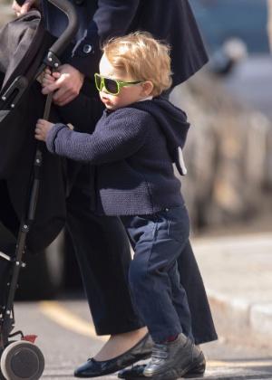 Óculos escuros usados por Príncipe George esgotam em lojas infantis