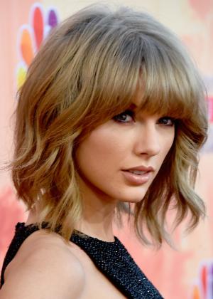 Taylor Swift manda recado para tabloides que afirmam briga com Lorde