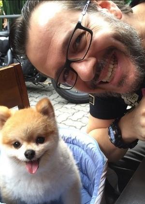 """Sucesso no """"Hoje em Dia"""", cão Paçoca irá com Zucatelli para a RedeTV!"""