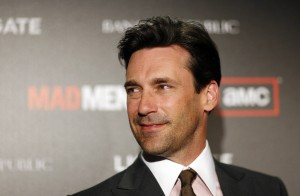 """Cast member Jon Hamm poses at the premiere for the fourth season of the television series """"Mad Men"""" at the Mann 6 theatre in Hollywood, California July 20, 2010. The fourth season debuts on July 25.  REUTERS/Mario Anzuoni (UNITED STATES - Tags: ENTERTAINMENT) ORG XMIT: MA303"""
