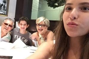 Andréa Nóbrega reclama que Carlos Alberto ainda não voltou a morar com ela
