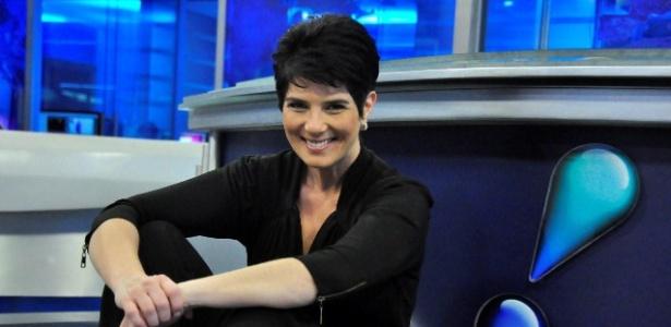 Novo talk show de Mariana Godoy na RedeTV! terá sofá de Hebe Camargo