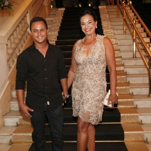 Após três dias internada, atriz Solange Couto recebe alta de hospital