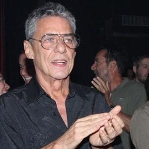 Ex-stalker de Chico Buarque lança livro sobre frustrações amorosas