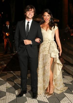"""""""Tudo na boa"""", diz Emílio Dantas sobre o fim do casamento com Giselle Itié"""