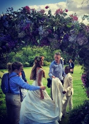Ex-marido de Madonna, cineasta Guy Ritchie se casa novamente