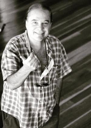 Criador de tipos dramáticos, preparador de Santoro vira número um da Globo