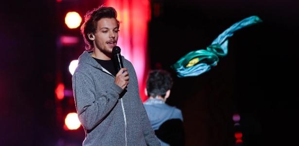Após boatos, Louis Tomlinson, do One Direction, confirma que vai ser pai