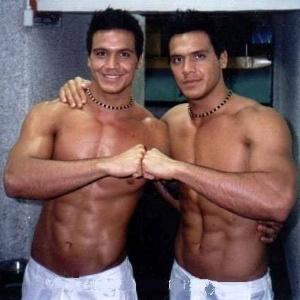 Longe da TV, gêmeos Flávio e Gustavo vendem imóveis para famosos nos EUA