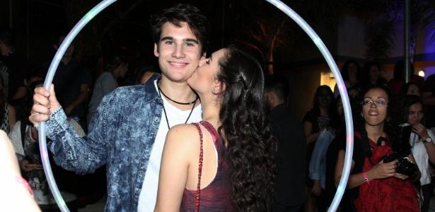 """Livian Aragão e Nicolas Prattes terminam relação: """"Ocupados para namorar"""""""