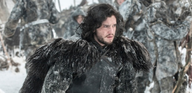 "Intérprete de Jon Snow é visto gravando cenas em set de ""Game of Thrones"""