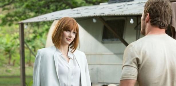 """Após polêmica, Bryce Dallas não usará salto alto em """"Jurassic World 2"""""""
