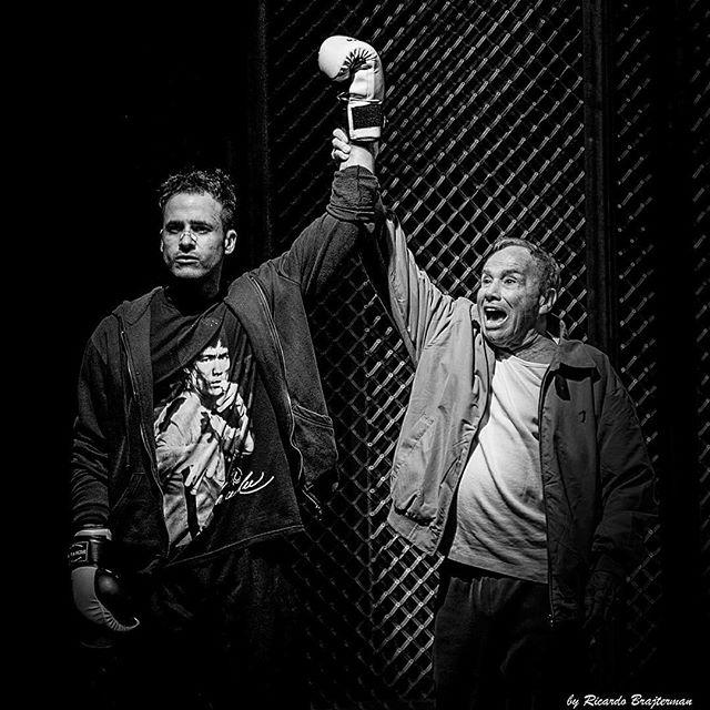 Stênio com o ator e autor Marcos Nauer, que faz seu neto no palco