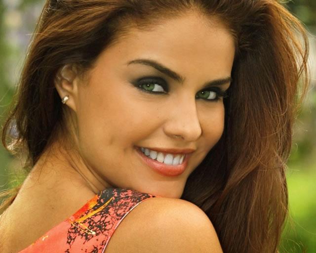 2015-01-27-atriz-global-paloma-bernardi