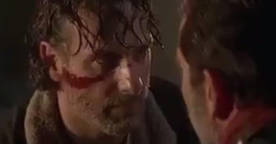 rick-confronta-negan-em-cena-do-episodio-de-estreia-da-setima-temporada-de-the-walking-dead-1475974707188_956x500