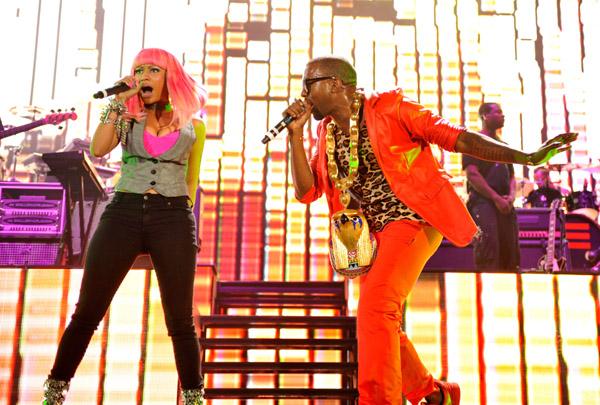 nicki-minaj-kanye-west-perform-at-yankee-stadium-september-13-2010