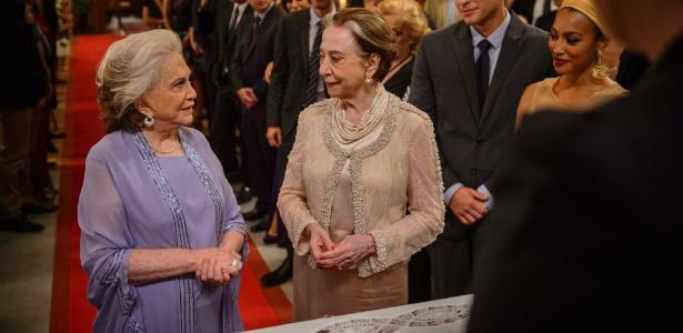 """Em """"Babilônia"""", Teresa e Estela oficializam a união em cerimônia"""