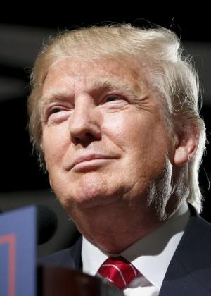 Após quebra de contrato, Trump acusa emissora de esconder rendimentos