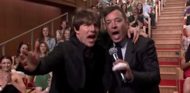 """Em batalha de dublagem, Tom Cruise empolga plateia do """"Tonight Show"""""""