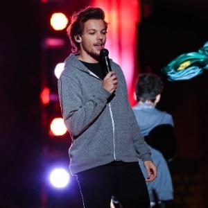 Louis Tomlinson, vocalista do One Direction, vai ser pai, diz revista